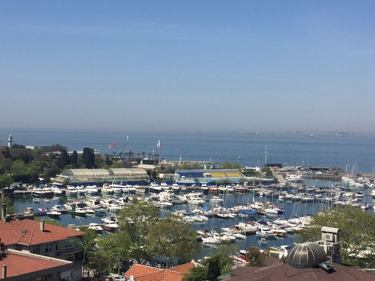 Fenerbahçe Sahilde Yeni Binada Deniz Manzaralı Satılık Daire