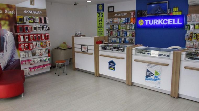 Kartal Merkezde Düz Giriş Cadde cepheli 40 m2 Dükkan