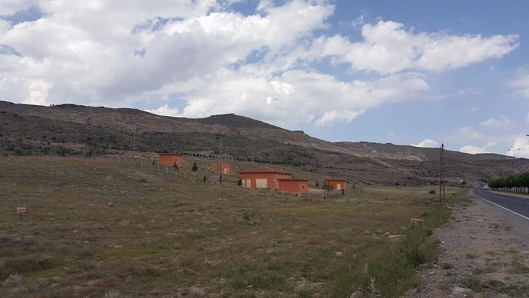 Erkilet'te Yol Üzeri 620 m2 Konut Parseli