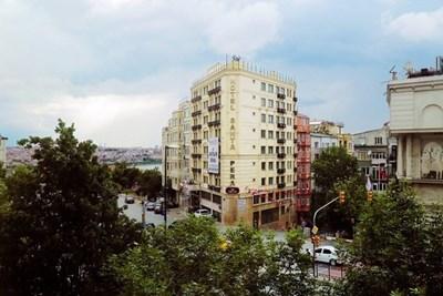 Beyoğlu'nda Satılık Otel Binası