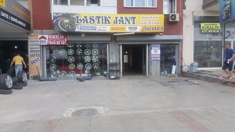 Çiğli Anadolu Caddesi Metro Market Karşısı 200m2 Kiralık Dükkan