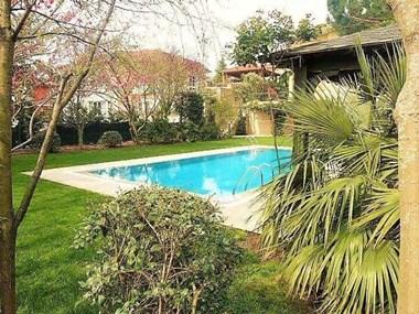 Kemer Country'de Havuzlu Satılık Müstakil Villa