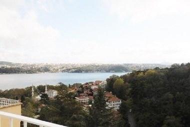 Yeniköy'de Muhteşem Manzaralı Teras Katı