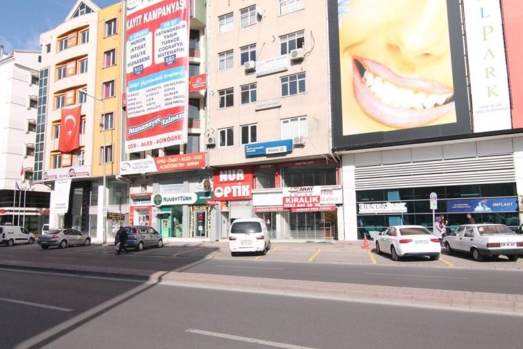 Hastane Caddesi Üzerinde Kaçmaz Kiralık Dükkan