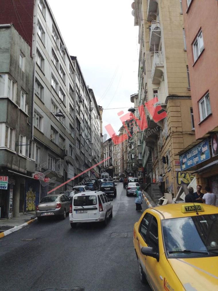 Emlak Live'dan Beyoğlu  Ömer Hayyam da  1+1 kiralık eşyalı daire