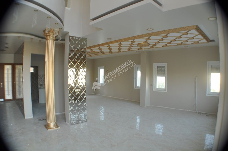 Osmangazide 10+ 470 m2 Satılık Tripleks Villa