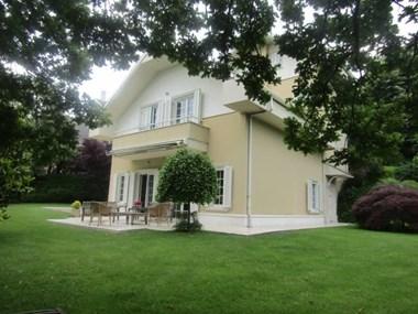 Beykoz Konakları'nda Büyük Bahçeli B Tipi Kiralık Villa