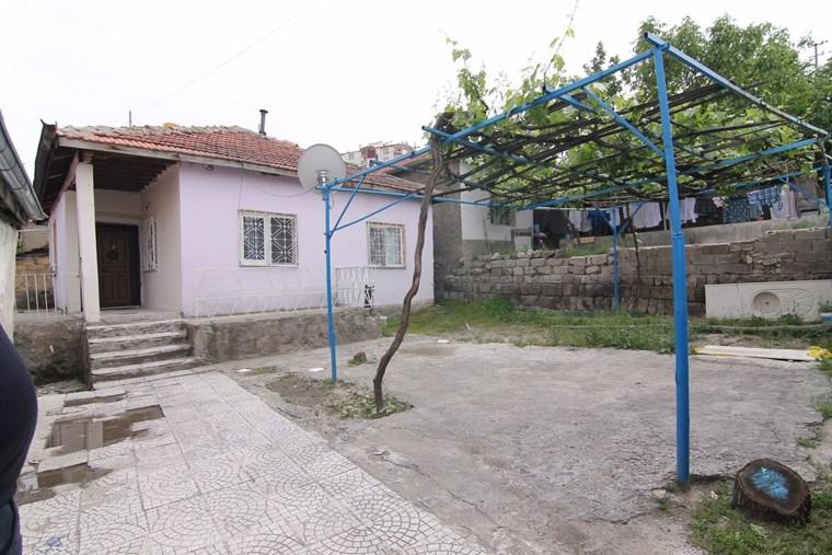 Yenidoğan Mahallesinde Müstakil Ev
