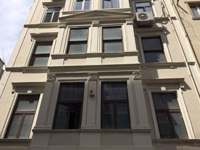Beyoğlu Şişhane'de Tarihi Binada Kiralık Ofis
