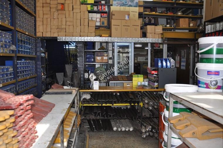 Küsget Sanayi Bölgesinde 350 m2 Satılık Dükkan