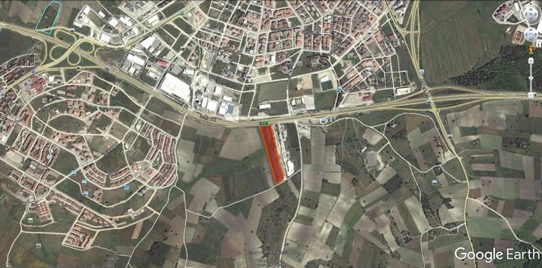 İzmir yoluna Cephe Görükle Mera da 20 Dönüm Ticari Arazi.