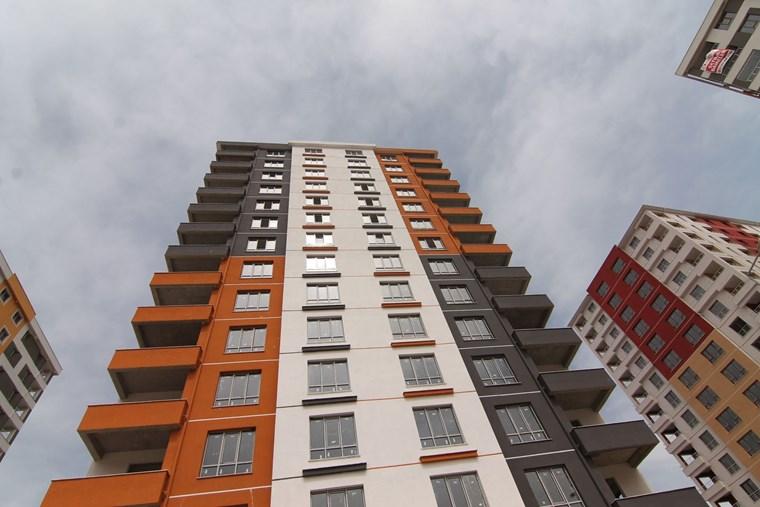 Şehrin En Büyük Sitesi Ihlamur Evlerinde Alırken Kazanın...