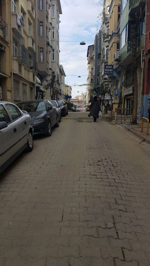 Cihangir'de Hazır Kiracılı, Ele Geçmez Satılık Dükkan
