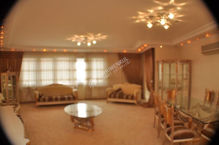 Osmangazide 4+1 300 m2 Satılık Daire