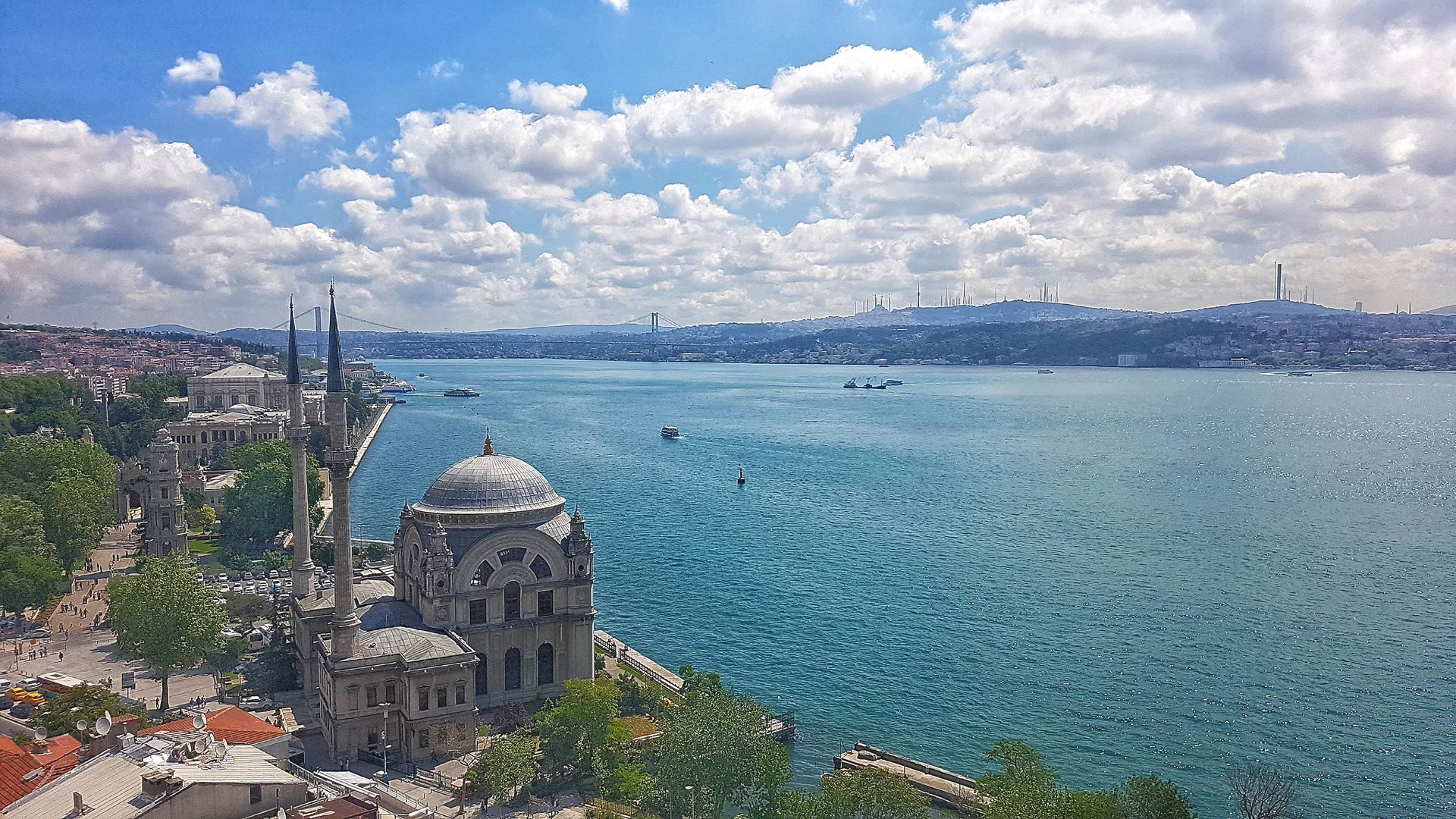 İstanbul'un En İyi Manzarasına Sahip, Yüksek Tavanlı 300m² Daire