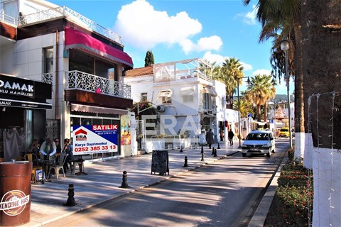 Bodrum merkez marina yanında işlek cadde üzerinde satılık dükkan