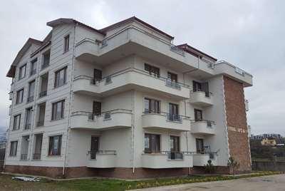 Diş Fakültesi ve Dini Yüksek İhtisas'a komşu arakat lüks daire